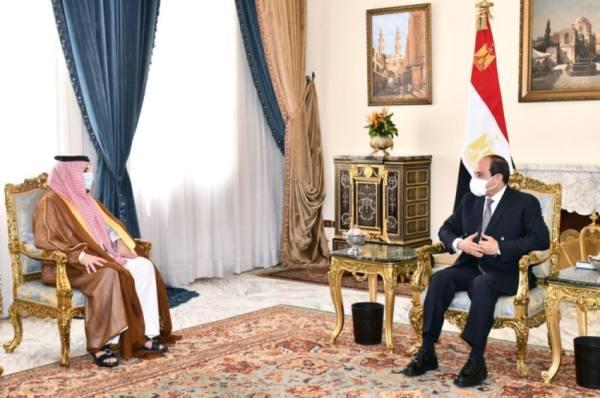 استقبل تركي آل الشيخ..السيسي: شراكة استراتيجية بين مصر والسعودية