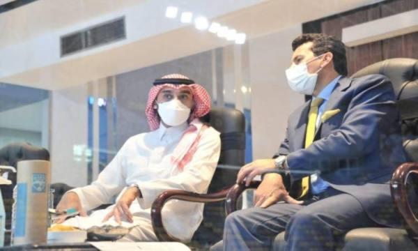وزير الرياضة يشهد مباراة المنتخب في بطولة كأس العرب لكرة الصالات