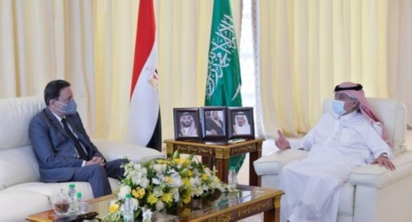 وزير الإعلام المكلف مع الضيف المصري