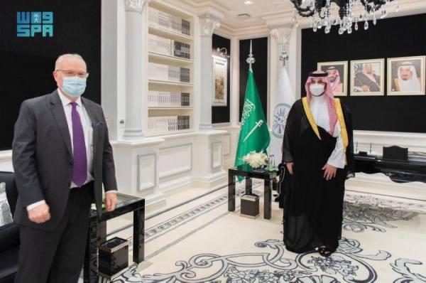 سمو نائب وزير الدفاع يلتقي المبعوث الأمريكي الخاص إلى اليمن
