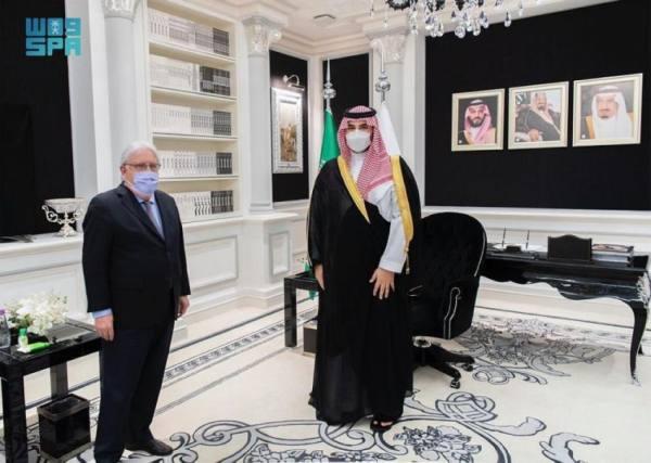 سمو نائب وزير الدفاع يلتقي المبعوث الخاص للأمين العام للأمم المتحدة إلى اليمن