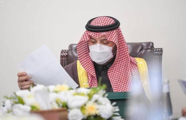 أمير منطقة الحدود الشمالية يرأس اجتماع مراجعة الخطة الإستراتيجية