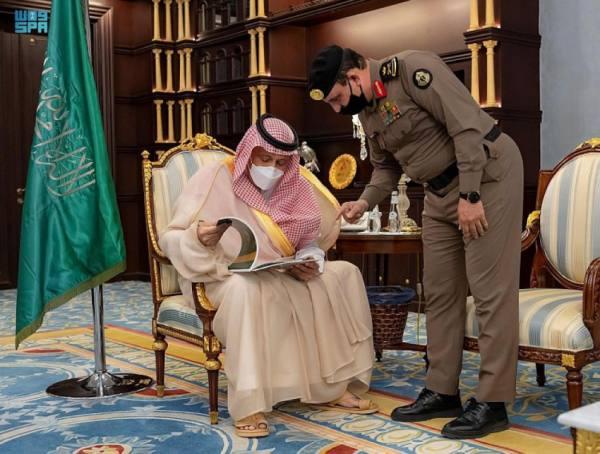 أمير الباحة يطلع على خطط الجهات الأمنية  لصيف هذا العام