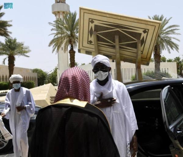 وزير الأوقاف السوداني يزور مجمع طباعة المصحف بالمدينة المنورة