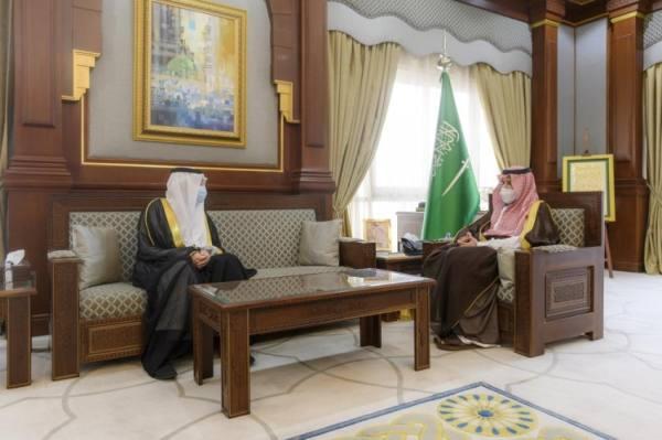 أمير المدينة يلتقي مدير فرع وزارة الخارجية بالمنطقة