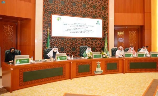 الهيئة الاستشارية لجامعة الملك عبدالعزيز تناقش انعكاسات كورونا على قطاع التعليم