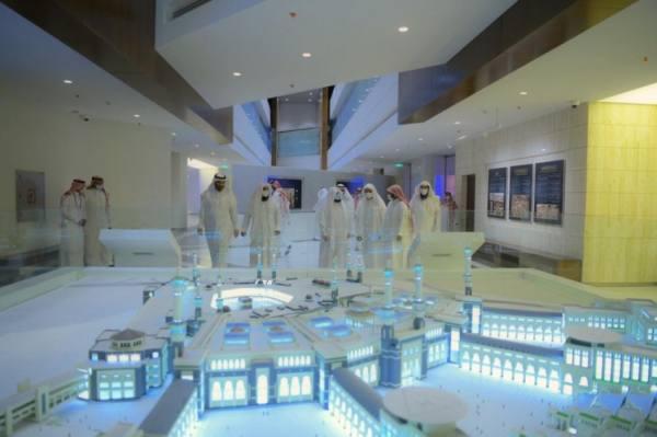 السديس يتفقد معرض عمارة المسجد النبوي استعدادًا لافتتاحه