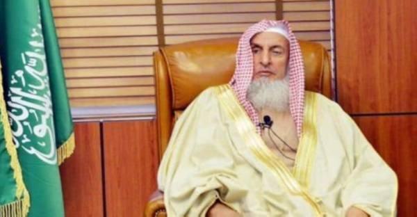 المفتي: وضع مصباح بمنارة المسجد لبيان أن الصلاة أقيمت