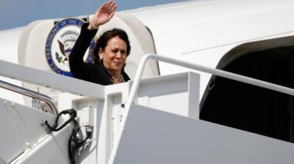 طائرة نائبة الرئيس الأميركي ترغم على الهبوط بسبب خلل تقني
