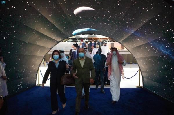 وفدٌ دبلوماسي يضم أكثر من 60 دولة يزور معرض مشروعات منطقة مكة الرقمي بجدة