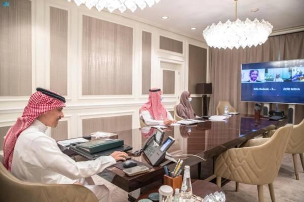 وزير الخارجية يشارك في جلسة نقاش استضافها