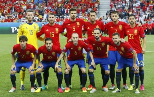 استكمال تلقيح لاعبي المنتخب الإسباني