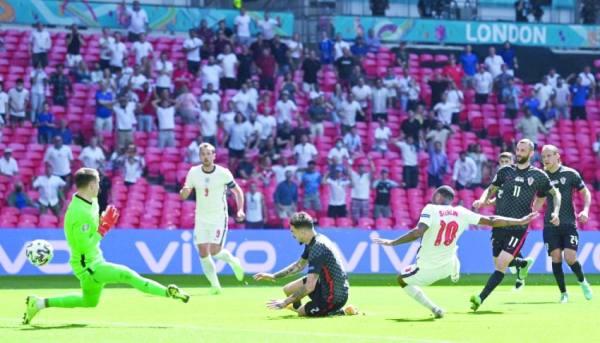 إنجلترا تكسب كرواتيا.. وإسبانيا تلاقي السويد