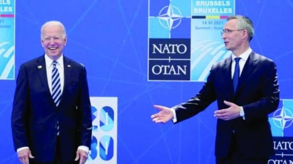 الناتو يطالب إيران بوقف كل أنشطة الصواريخ الباليستية