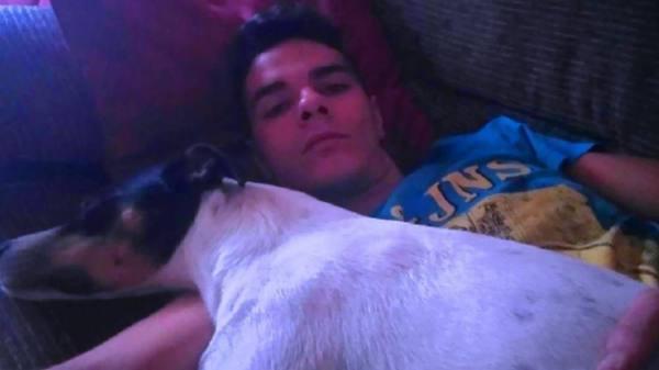 15 سنة سجن لشاب إسباني قتل والدته وأكل من جثتها وأطعم كلبه