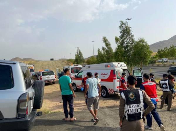 8 إصابات من عائلة واحدة في انقلاب مركبة بالطائف