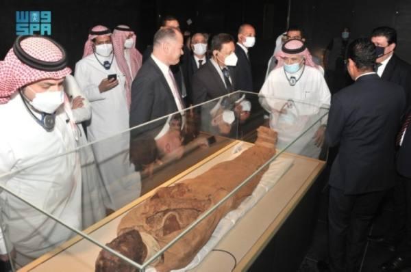 القصبي يزور المتحف القومي المصري