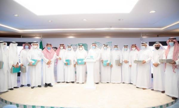 وزير التعليم يكرّم الفائزين في مسابقة