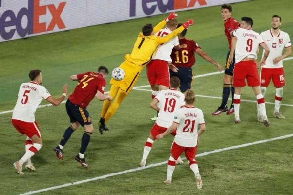 إسبانيا تتعثر بالتعادل مع بولندا في بطولة أوروبا