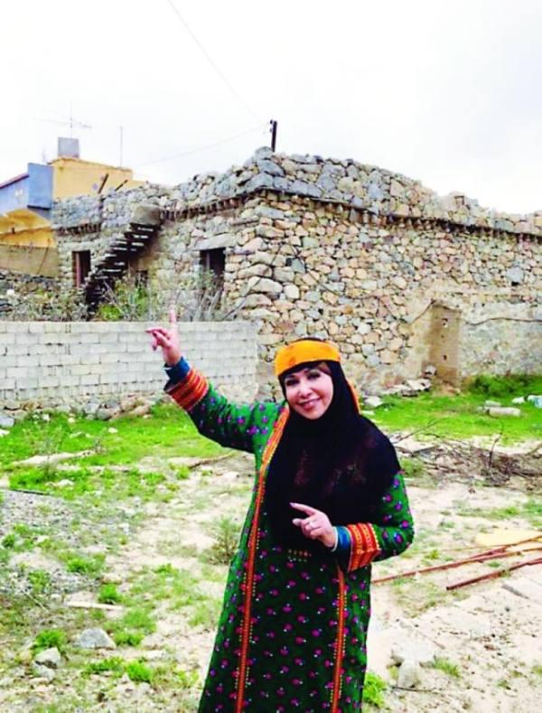 مريم الغامدي لـ   المدينة  : التلفزيون رفض أعمالي السعودية ويقدم أعمالاً لا تمت لمجتمعنا!