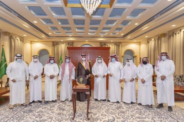 أمير الجوف يسلم نصف مليون ريال للفائزين بجائزة أفضل إنتاج لزيت الزيتون