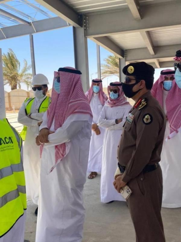 محافظ حفر الباطن يتفقد سير أعمال مشروع تطوير المطار بالقيصومة