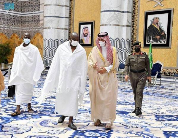 رئيس جمهورية جامبيا يصل جدة