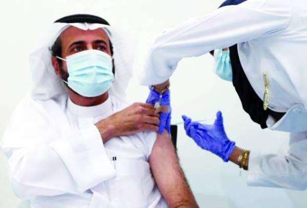 دراسة بريطانية: اللقاحان المستخدمان في السعودية فعالان ضد «تحورات» كورونا