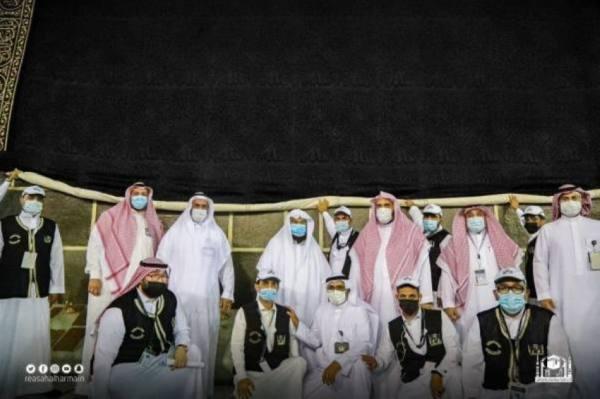 السديس يشيد بجهود منسوبي مجمع الملك عبدالعزيز لكسوة الكعبة المشرفة