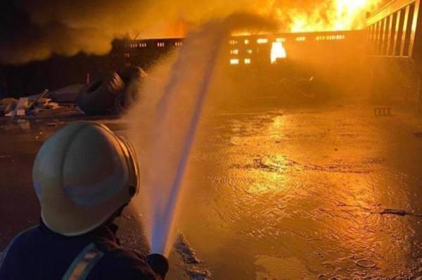 وفاة رجل دفاع مدني بشظية أثناء إطفاء حريق بالدمام