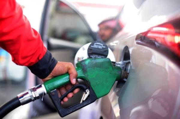 تثبيت أسعار البنزين يجسد الحرص على تخفيف الأعباء عن المواطنين