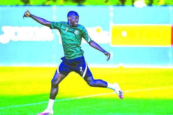 سعود عبدالحميد خلال مشاركته في معسكر المنتخب الأولمبي برومانيا أمس الأول