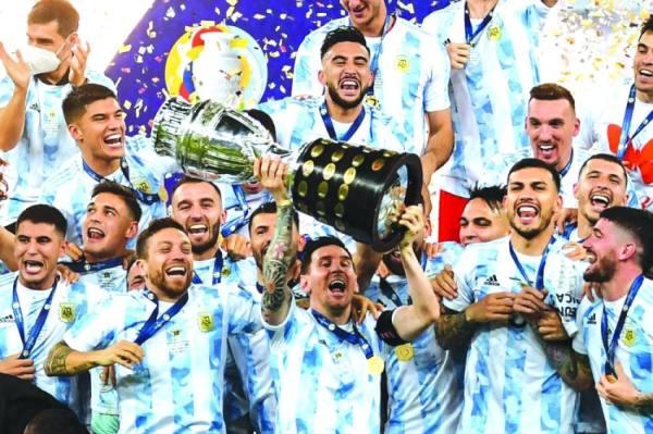 ميسي يتوّج بأول ألقابه الكبرى مع الأرجنتين