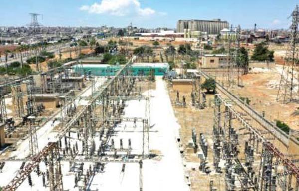 الكهرباء تعود إلى مناطق في شمال غرب سوريا