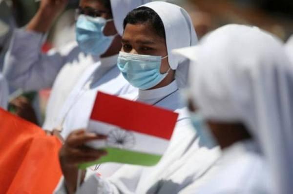 الهند تسجل أكثر من 37 ألف إصابة جديدة بكورونا و724  وفاة