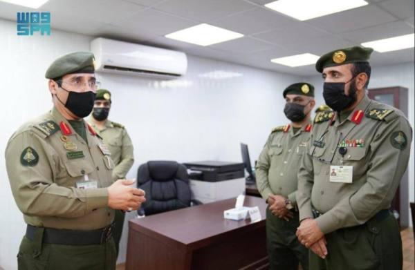 قائد قوات الجوازات للحج يتفقد مركز