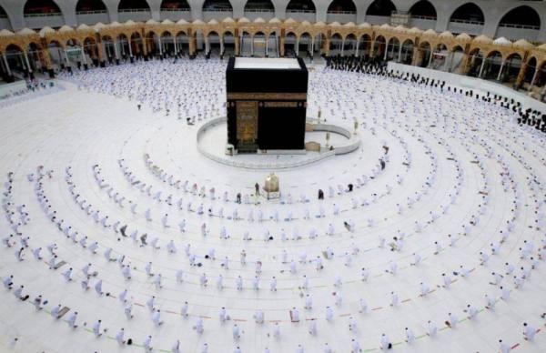 إيقاف تصريح الصلاة في المسجد الحرام