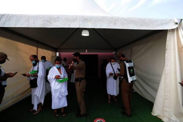 المسجد الحرام يستقبل طلائع حجاج بيت الله الحرام