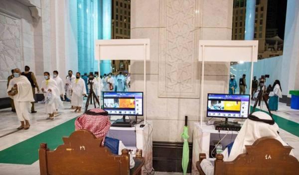 أفواج الحجاج تتوافد إلى المسجد الحرام وسط منظومة متكاملة من الخدمات