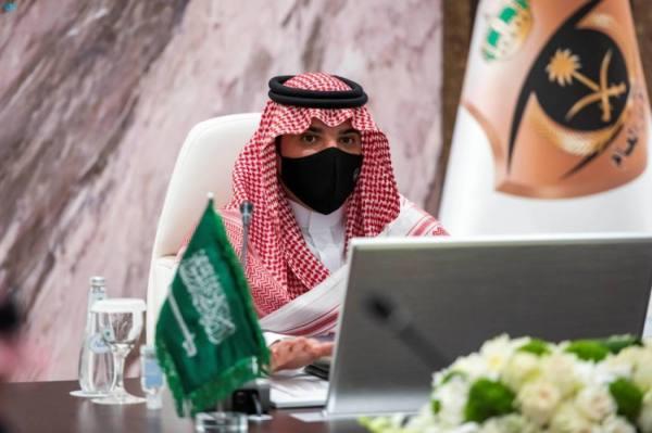 وزير الداخلية يقف على سير العمل بمركز القيادة والسيطرة في مشعر منى
