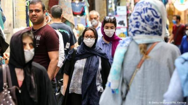 إغلاق للدوائر الحكومة والمصارف في طهران