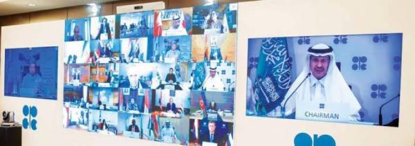عبدالعزيز بن سلمان لنظيره الإماراتي: مايربط البلدين أكبر من اتفاق نفطي
