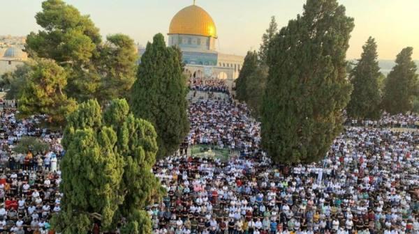 صور : 100 ألف مسلم يؤدون صلاة عيد الأضحى في الأقصى