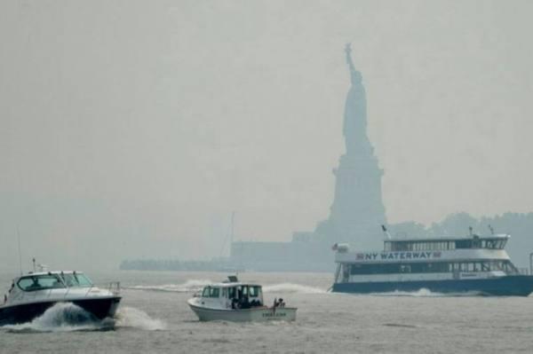 ضباب دخاني يغطي نيويورك بفعل حرائق في غرب الولايات المتحدة