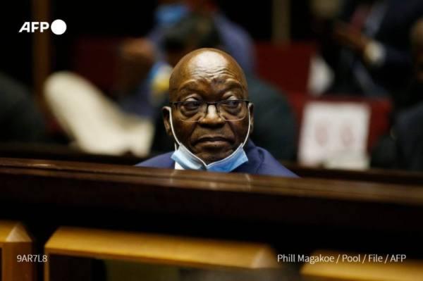 رئيس جنوب إفريقيا يحصل على إذن للخروج من السجن لحضور جنازة شقيقه
