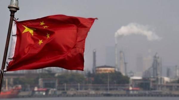 الصين تسحب من احتياطيات النفط لتهدئة الأسعار