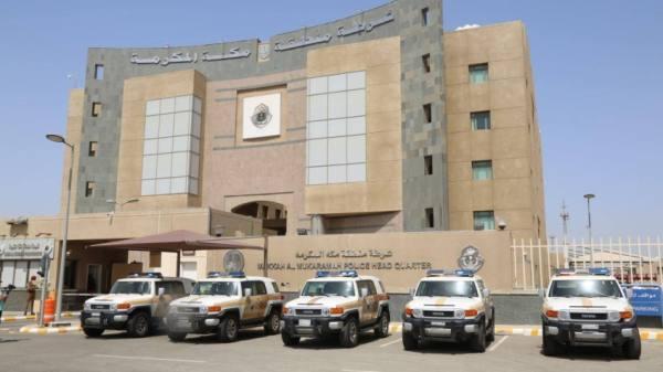شرطة مكة: القبض على مواطنَيْن تورطا بسرقة (3) مركبات في وضع التشغيل