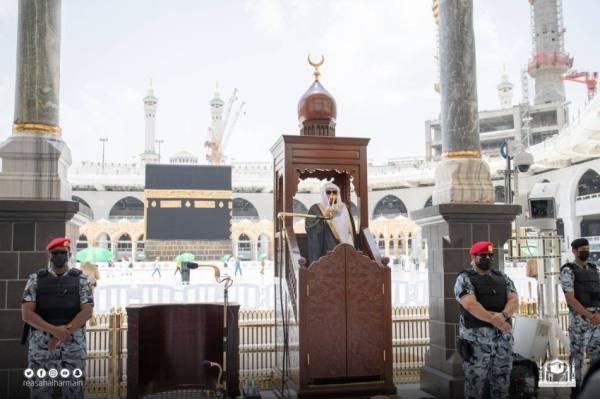 الشيخ بندر بليلة في خطبة الجمعة : لقد ربَّاكُم الحجُّ على الصبرِ