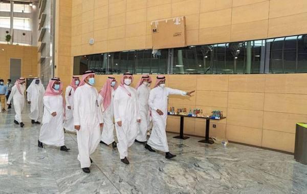 أمير الجوف يتفقد محطة قطار القريات .. والتشغيل منتصف مارس العام المقبل