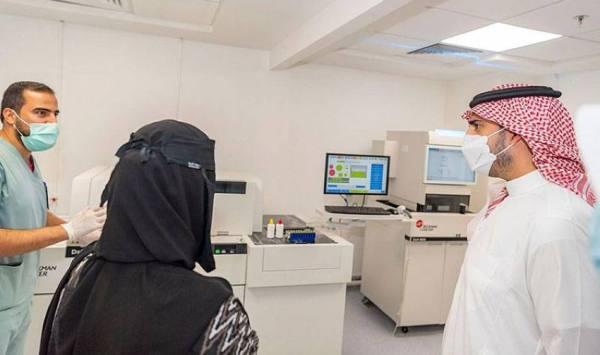 أمير الجوف يقف على مشاريع التوسعة والتطوير بمستشفى القريات